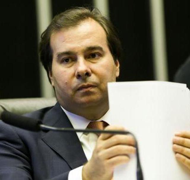 Rodrigo Maia diz que falta esclarecimento sobre a reforma da Previdência