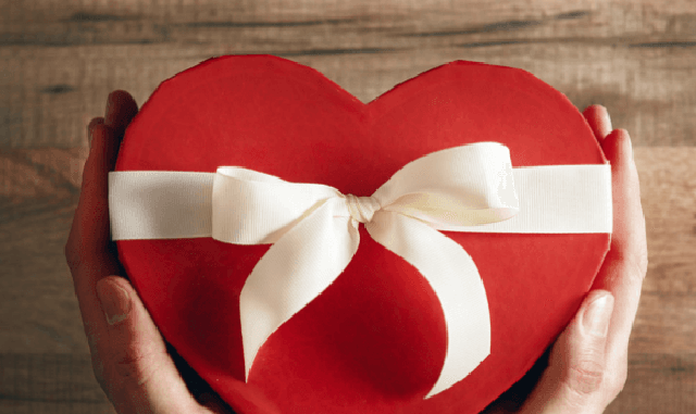 Horário especial do comércio de Criciúma para o Dia dos Namorados