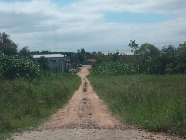 Moradores reclamam conclusão de pavimentação no Raichaski
