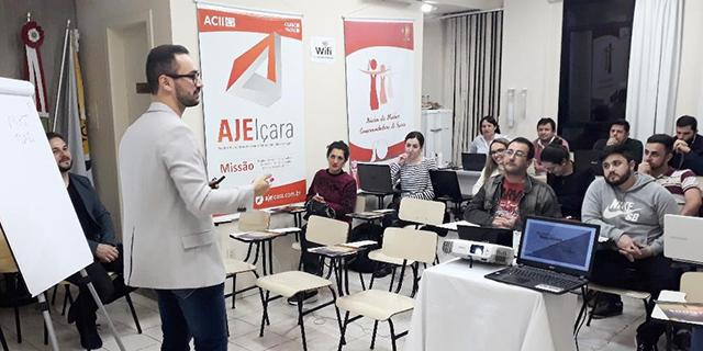 Ajei apresenta benefícios do marketing online em capacitação