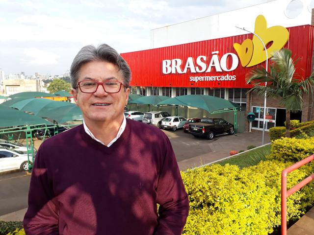 Almoço Empresarial da ACIC recebe Brasão Supermercados