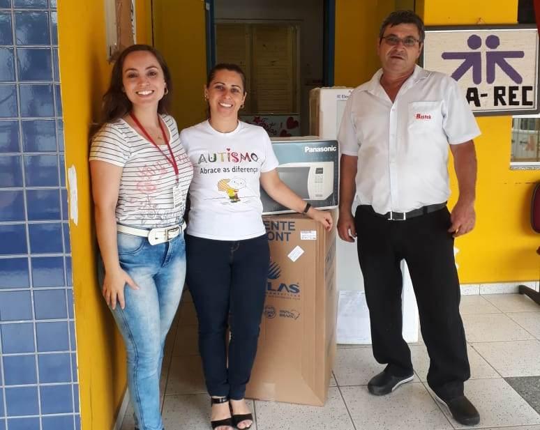 Bistek Supermercados faz doação para nova sede da AMA