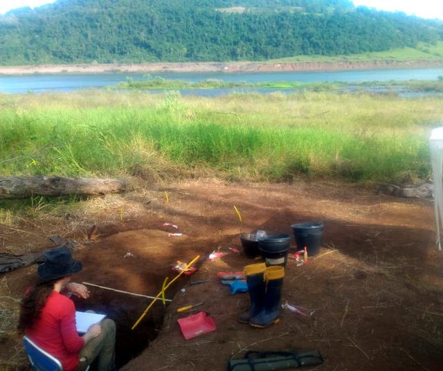 Pesquisadores da Unesc participam de escavação em sítio arqueológico