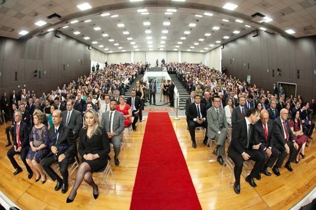 Eleitos são diplomados em sessão solene pelo TRE-SC