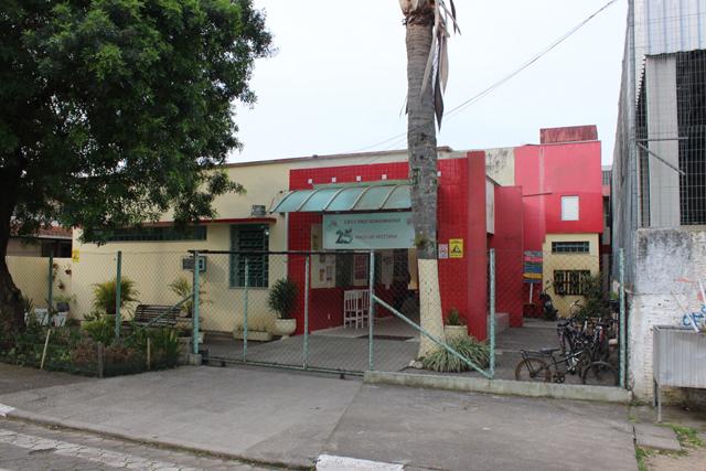 Alunos de CEIM devem ser transferidos a escola do bairro Pinheirinho
