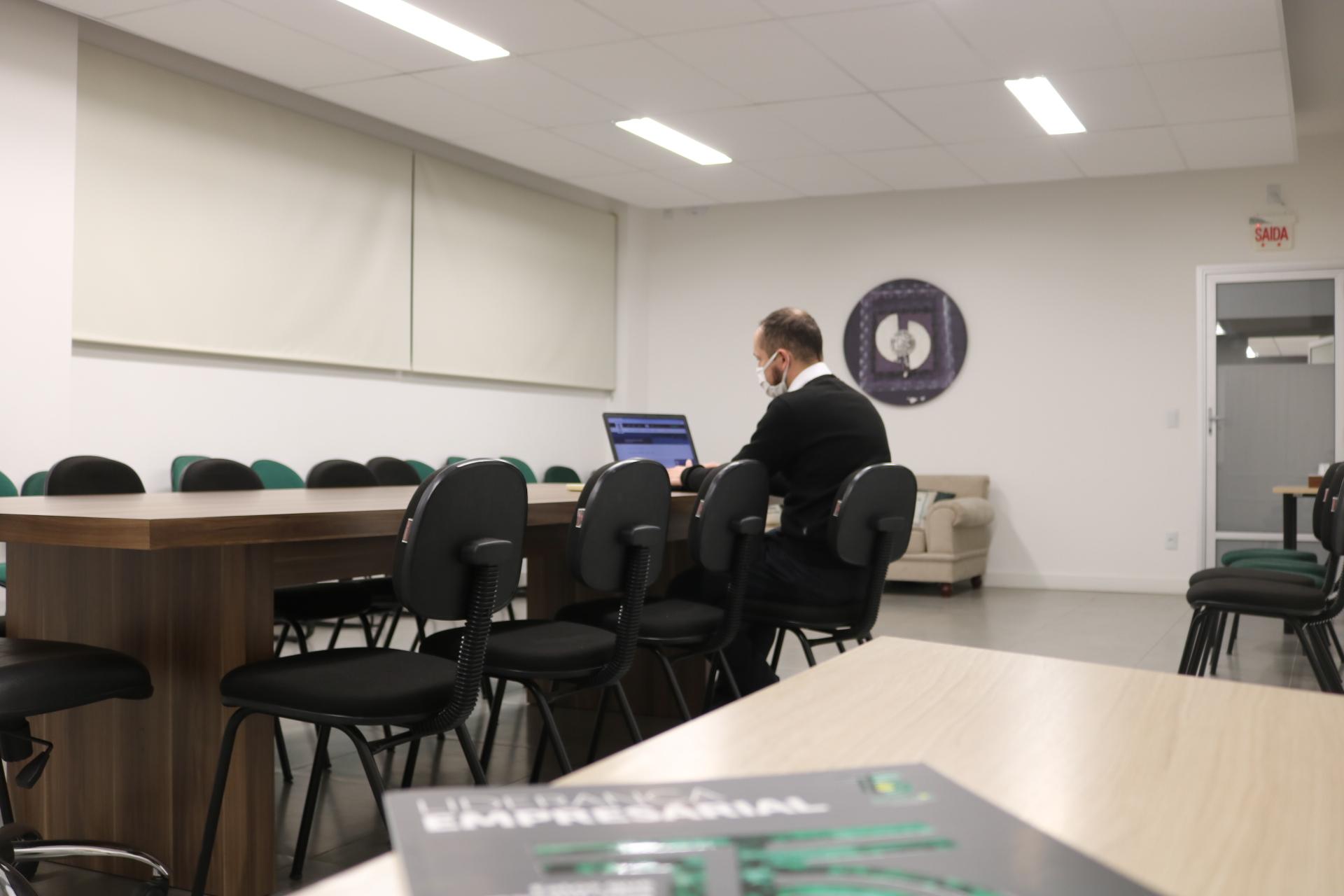 Novo projeto da Acic abre espaços para trabalho corporativo com salas de trabalho
