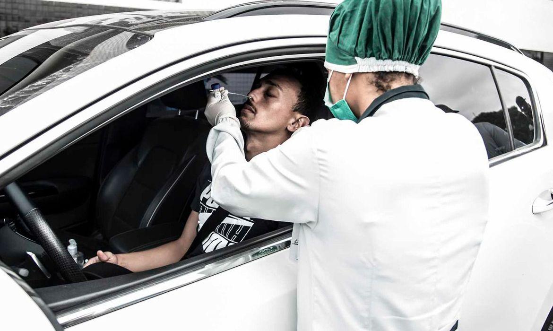 Brasil acumula 6,07 milhões de casos e 169 mil mortes por covid-19