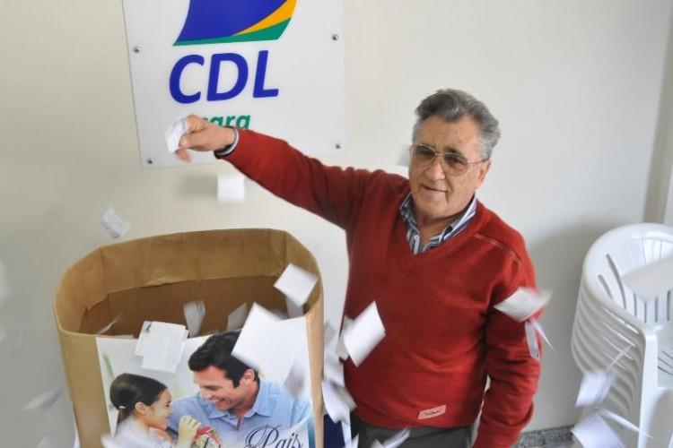 Ingressos para a Noite da Jeri são sorteados na CDL