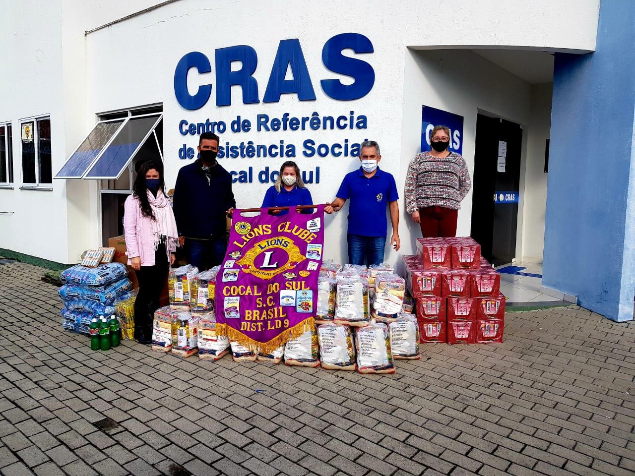 Lions Clube doa produtos de higiene e limpeza ao Cras de Cocal do Sul