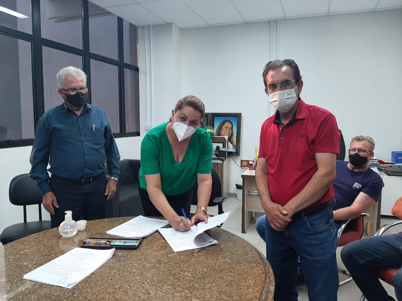 Governo renova convênio com Associação dos Produtores de Milho e Feijão