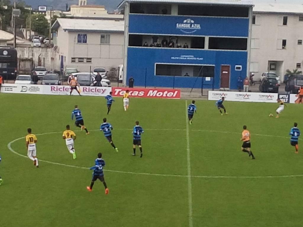 Sub-15 vence fora de casa pelo Catarinense