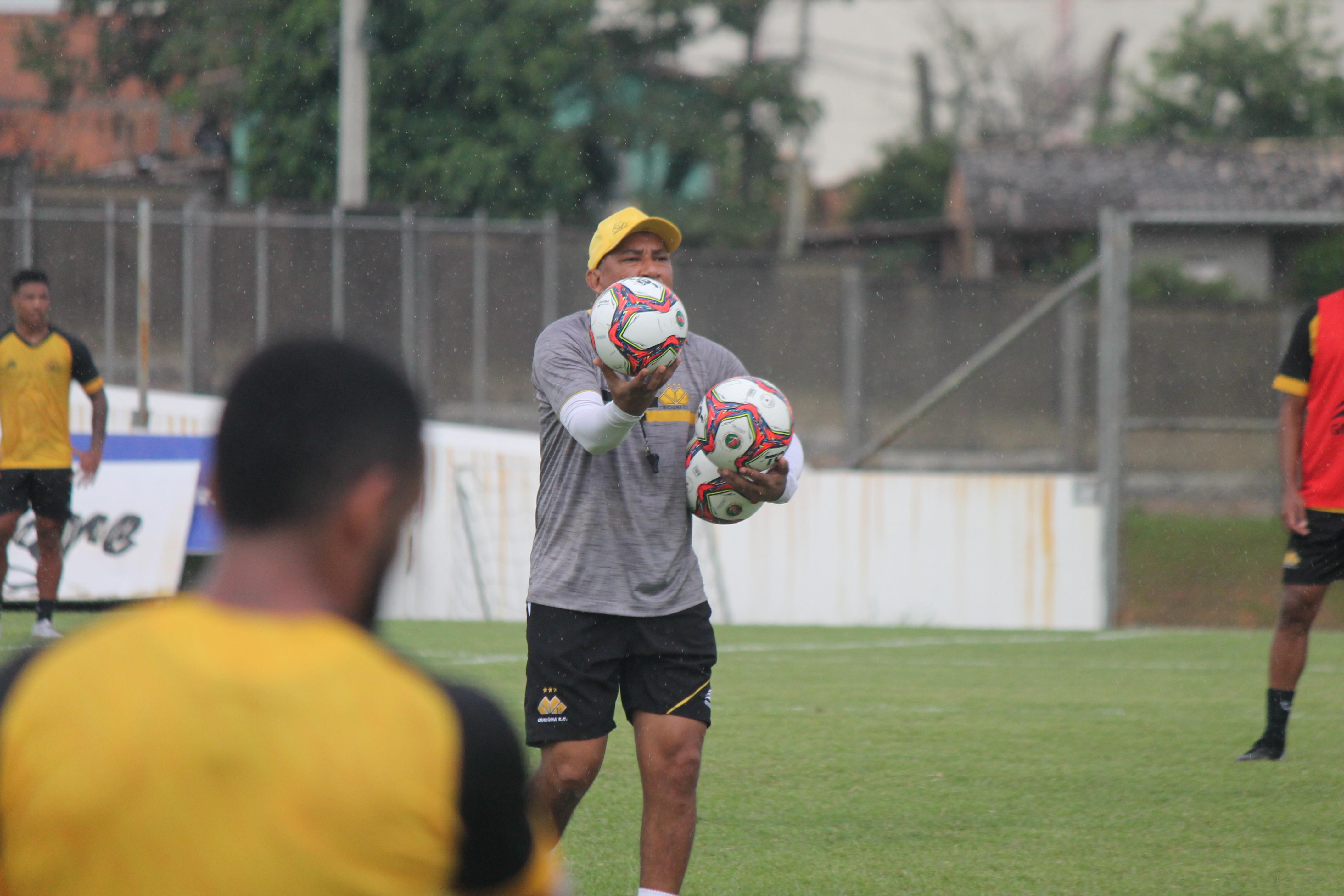 Em pré-temporada jogadores do Tigre treinam em dois períodos no CT