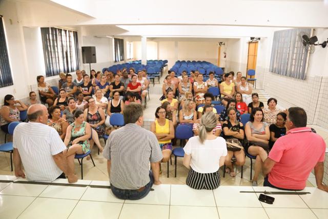 Merendeiras recebem capacitação para retorno às aulas