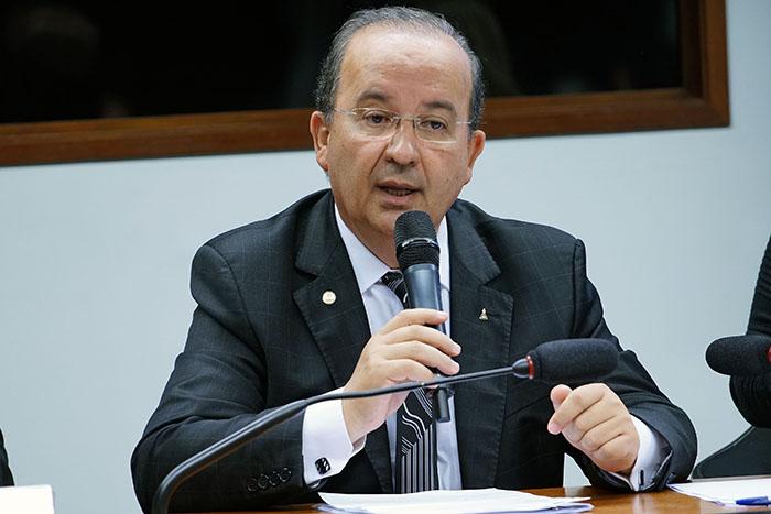 Catarinenses concorrem ao prêmio de melhor deputado federal