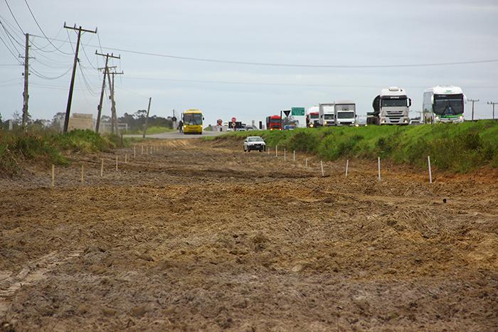 DNIT/SC inicia construção de via lateral em Laguna