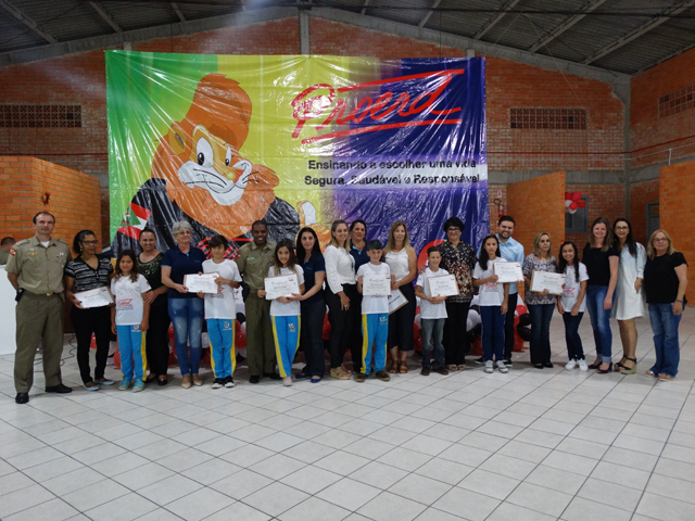 Proerd forma mais de 120 alunos em Balneário Arroio do Silva