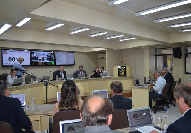 Informações sobre a Sessão do dia 9/4 na Câmara de Criciúma