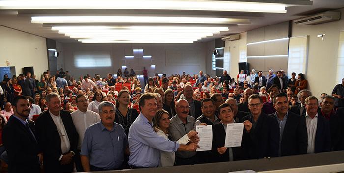 Governo do Estado assina convênio para conclusão de UTI em Içara