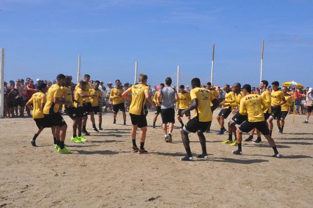 Criciúma Esporte Clube treina na arena do Praião
