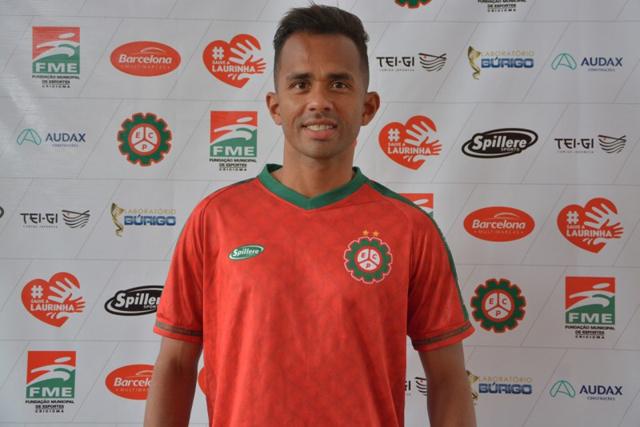Esporte Clube Próspera apresenta o lateral-direito Sueliton