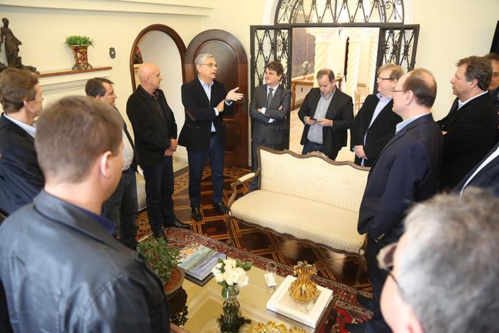 Moreira reúne lideranças do sul para fortalecer Mariani