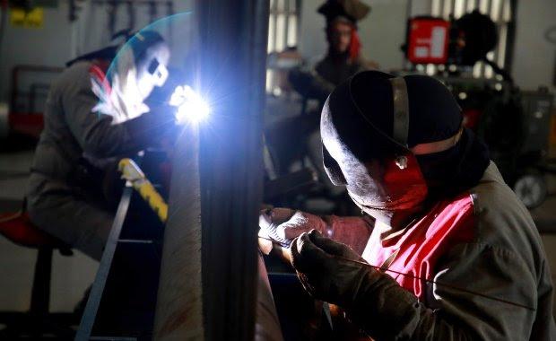 Indicadores da indústria, comércio e serviços apontam para retomada econômica em SC