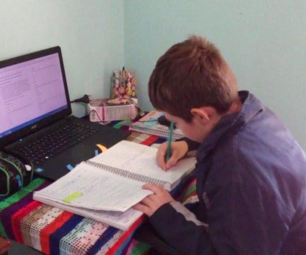 Atendimento aos alunos com atividades não presenciais alcança 97% da rede estadual