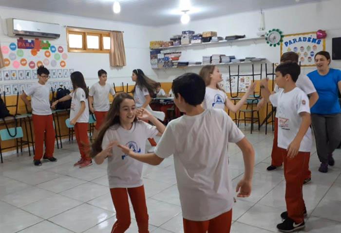 EBM Maria Arlete Bittencourt Lodetti prepara Festa da Família