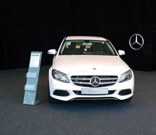Mercedes Benz no Nações Shopping