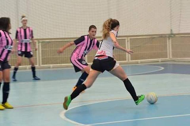 FMCE promove torneio de futsal feminino