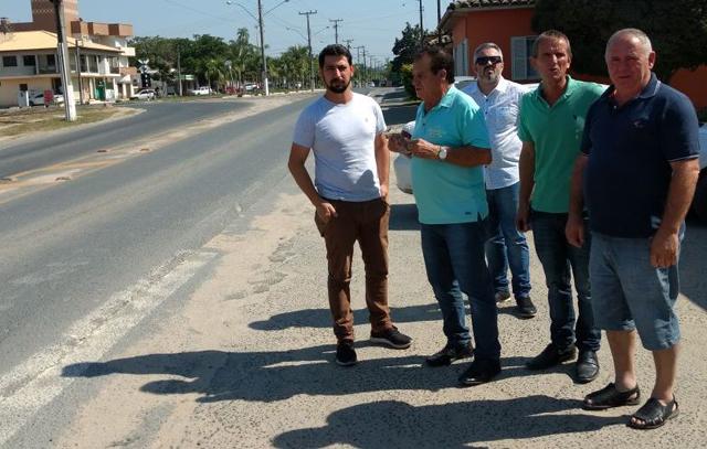 Vereadores pedem colocação de faixas de pedestres elevadas