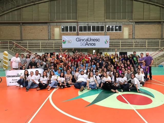 Animação e espírito de equipe marcam abertura da GincaUnesc