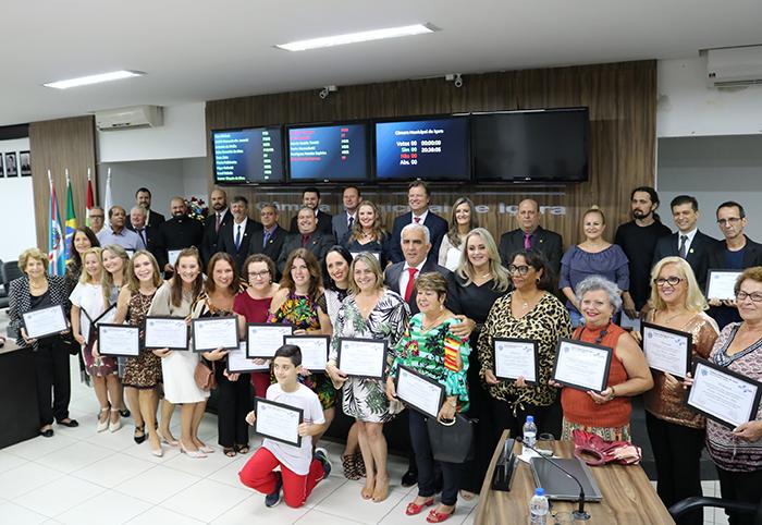 Sessão Especial celebra os 40 anos da Escola Quintino Rizzieri