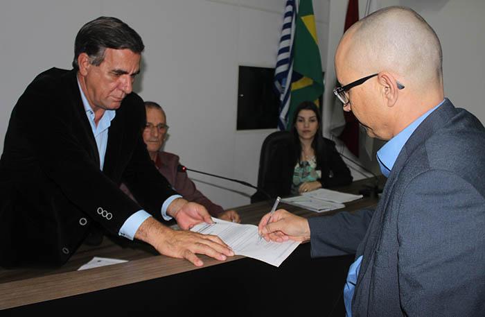 Vidal da Silva Santos assume cadeira no Legislativo no lugar de Gustavo de Jesus