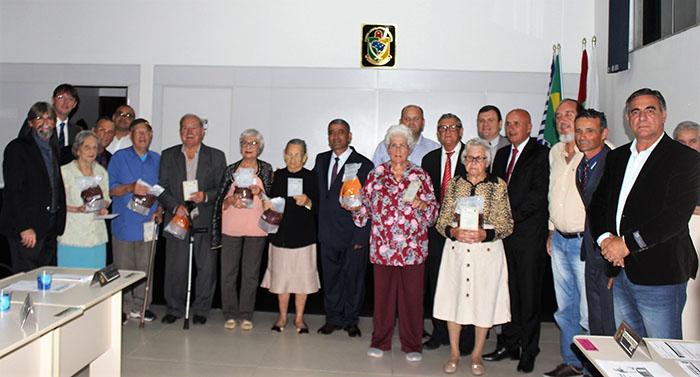 Noite de muita emoção em homenagem aos idosos do município
