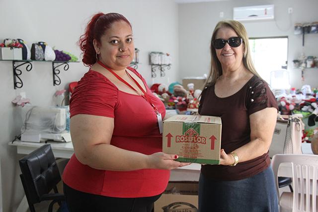 Afasc realiza entrega de produtos da RoseFlor Alimentos para os Clubes de Mães e Grupos de Idosos