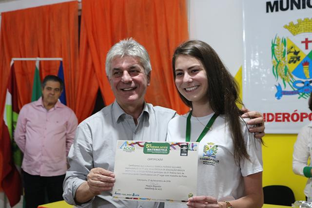 Estudantes de Siderópolis são premiados no 5º Prêmio Acic de Matemática