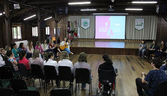 Unibave realiza campanha contra câncer de mama e colo de útero
