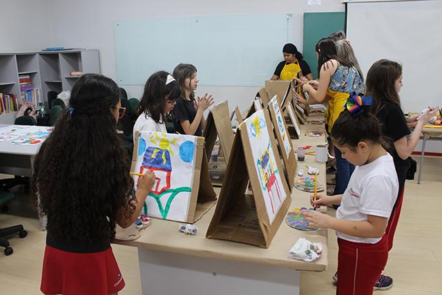 Na prática: Estudantes de Pedagogia evidenciam arte catarinense e se preparam para desafios profissionais