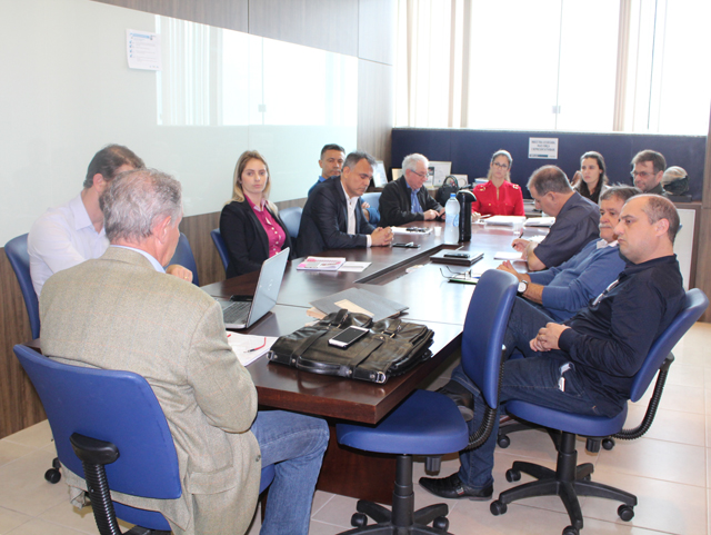 Sindesc e Sinplasc se reúnem com representantes do Sindicato laboral