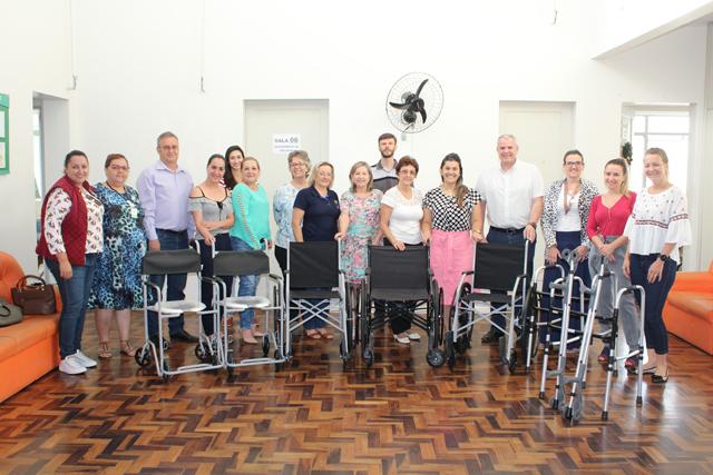 Auras realiza doação de equipamentos à Secretaria de Saúde