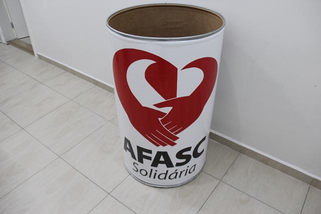 Afasc Solidária inicia campanha para doações de roupas e calçados masculinos e infantis