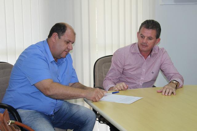 Zé Spilere assume e anuncia início de obras no dia 8 de janeiro