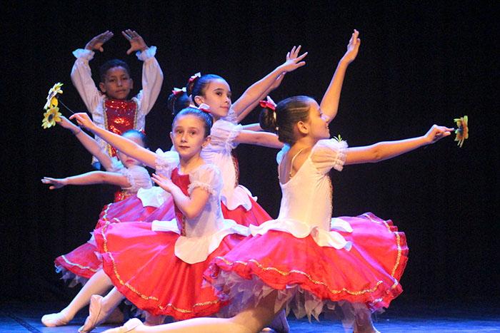 Unesc em Dança termina com homenagens e Mostra Infanto-juvenil