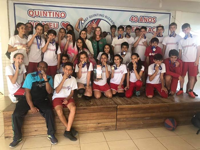Içara: Escolas comemoram títulos nos Joesi 2019