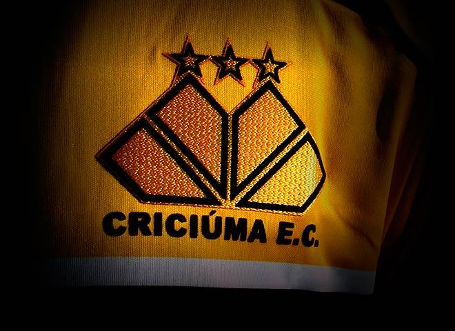 Direção do Criciúma Esporte Clube demite funcionários devido queda de receita