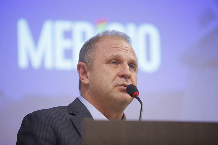 Pré-candidato a governador lota auditório para discutir soluções para SC