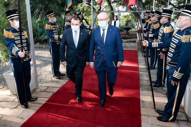 Governador Moisés apresenta potencialidades de SC a embaixador espanhol