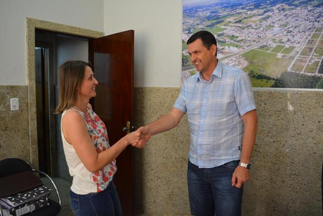 Márcia Cechinel é Secretária do Sistema Educacional em MF