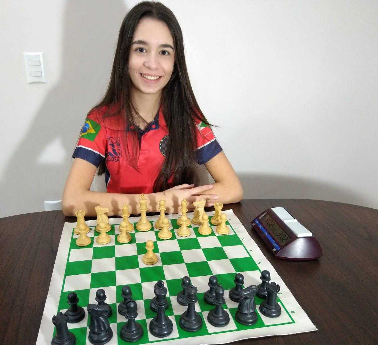 Atleta de Içara é campeã brasileira de Xadrez escolar online 2020